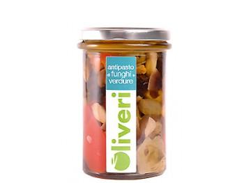 Antipasti de champignons et légumes à l'huile d'olive