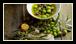 Comme pour la plupart des produits alimentaires, a fortiori pour ceux ne contenant pas de conservateurs, l'huile d'olive est sensible à l'oxydation.